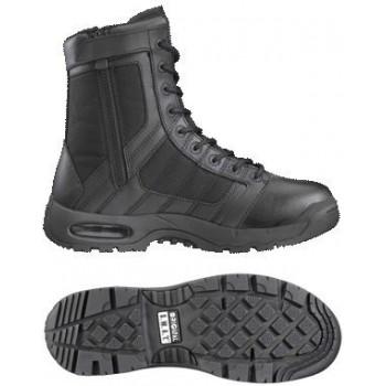 Chaussure de combat